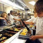 school-lunch-salad-bar-590